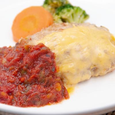 チーズハンバーグ野菜トマトソースのイメージ